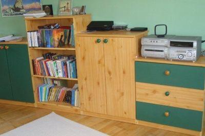 Gyerekbútor szekrénysor változatos elemekkel