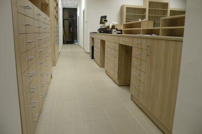 Fiókos szekrények a gyógyszerek tárolására
