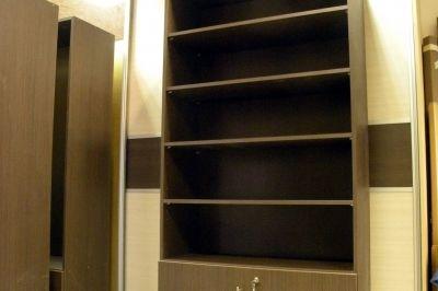 Dohánybolt bútor — álló szekrény