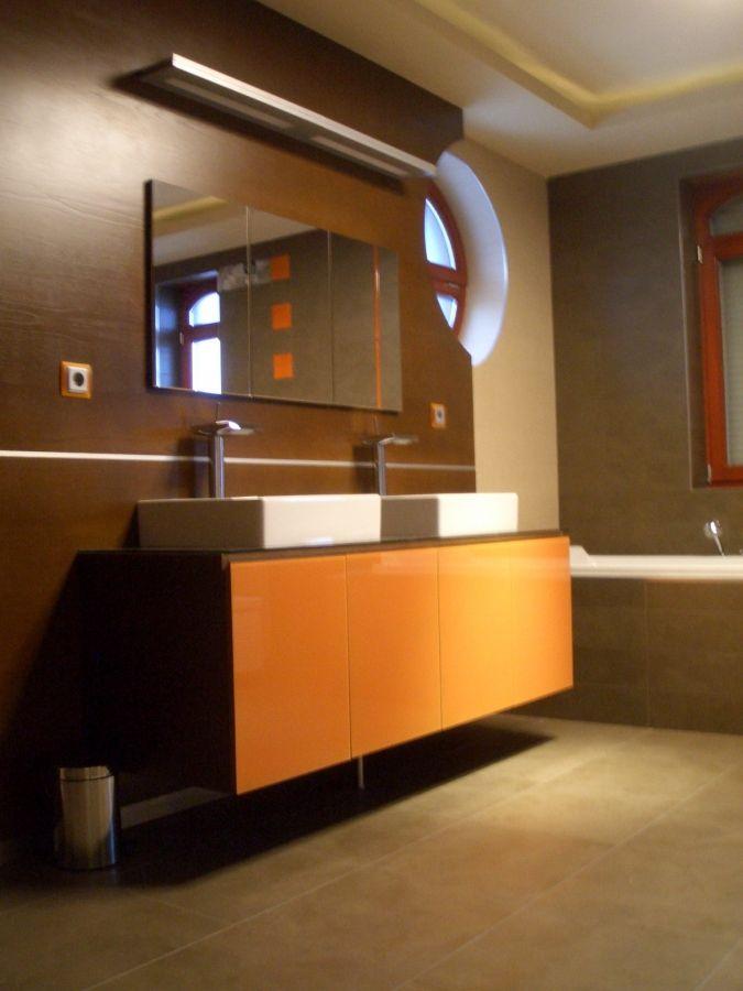 Fürdőszobai pult szögletes mosdókagylókkal